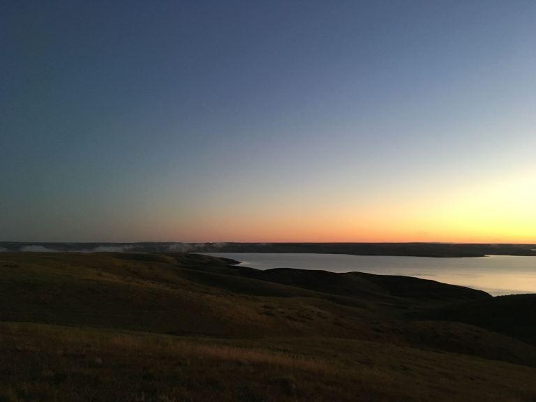 SUNRISE lake oahe